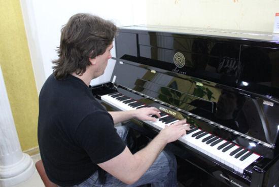 我女儿看上一款温克尔曼的钢琴,但周围朋友和老师都说没听过,有买过这个牌子的琴说说,怎样?谢谢(图4)  我女儿看上一款温克尔曼的钢琴,但周围朋友和老师都说没听过,有买过这个牌子的琴说说,怎样?谢谢(图6)  我女儿看上一款温克尔曼的钢琴,但周围朋友和老师都说没听过,有买过这个牌子的琴说说,怎样?谢谢(图11)  我女儿看上一款温克尔曼的钢琴,但周围朋友和老师都说没听过,有买过这个牌子的琴说说,怎样?谢谢(图15)  我女儿看上一款温克尔曼的钢琴,但周围朋友和老师都说没听过,有买过这个牌子的琴说说,怎样?