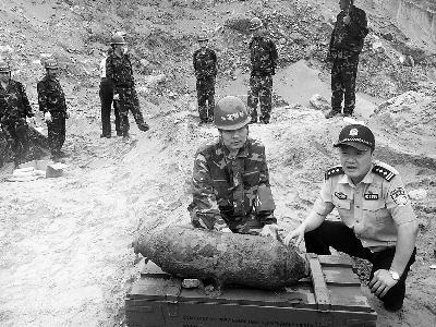 北京警方集中销毁抗战时期遗留废旧炮弹 炮弹232枚